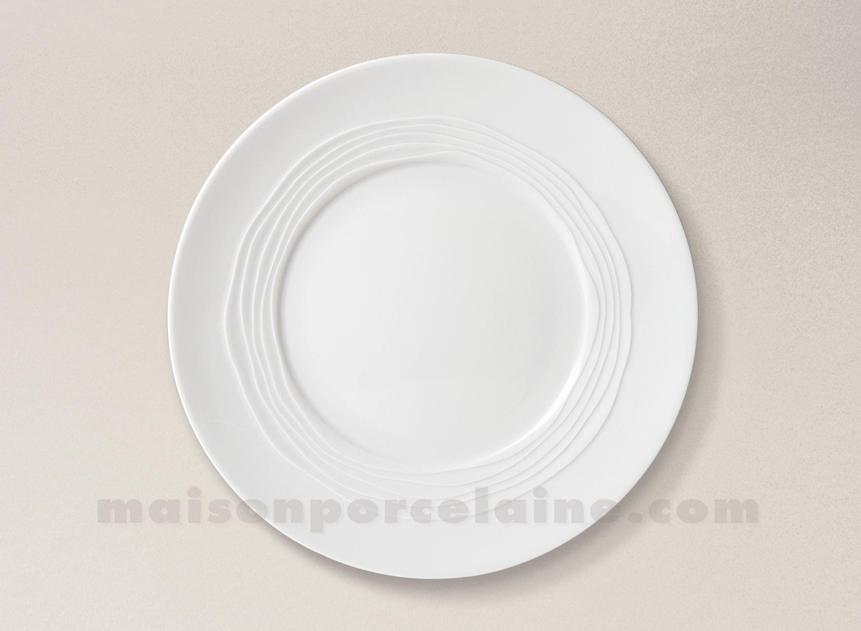 assiette plate limoges porcelaine blanche onde gravee d27 5 maison de la porcelaine. Black Bedroom Furniture Sets. Home Design Ideas