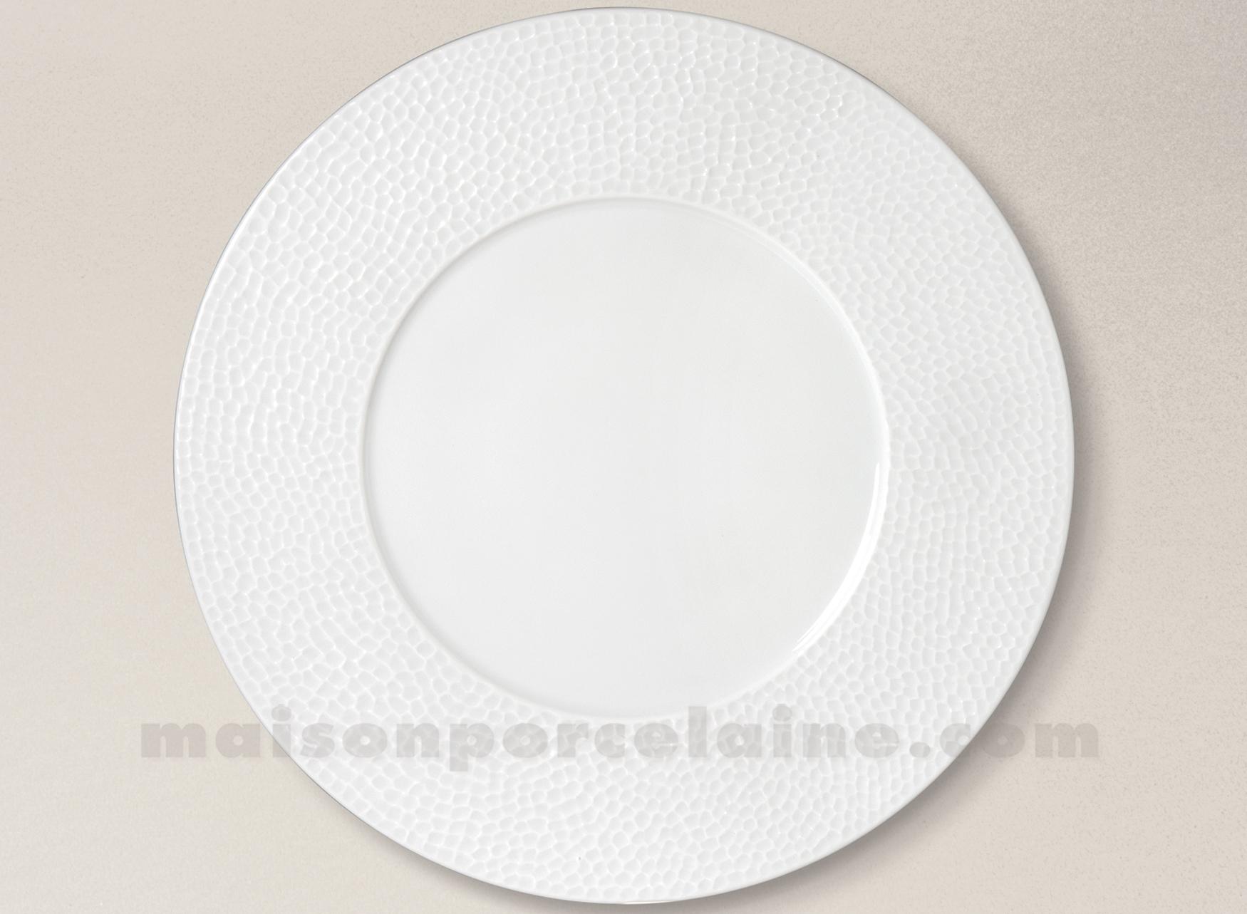 assiette presentation porcelaine blanche emulsion d31 maison de la porcelaine. Black Bedroom Furniture Sets. Home Design Ideas