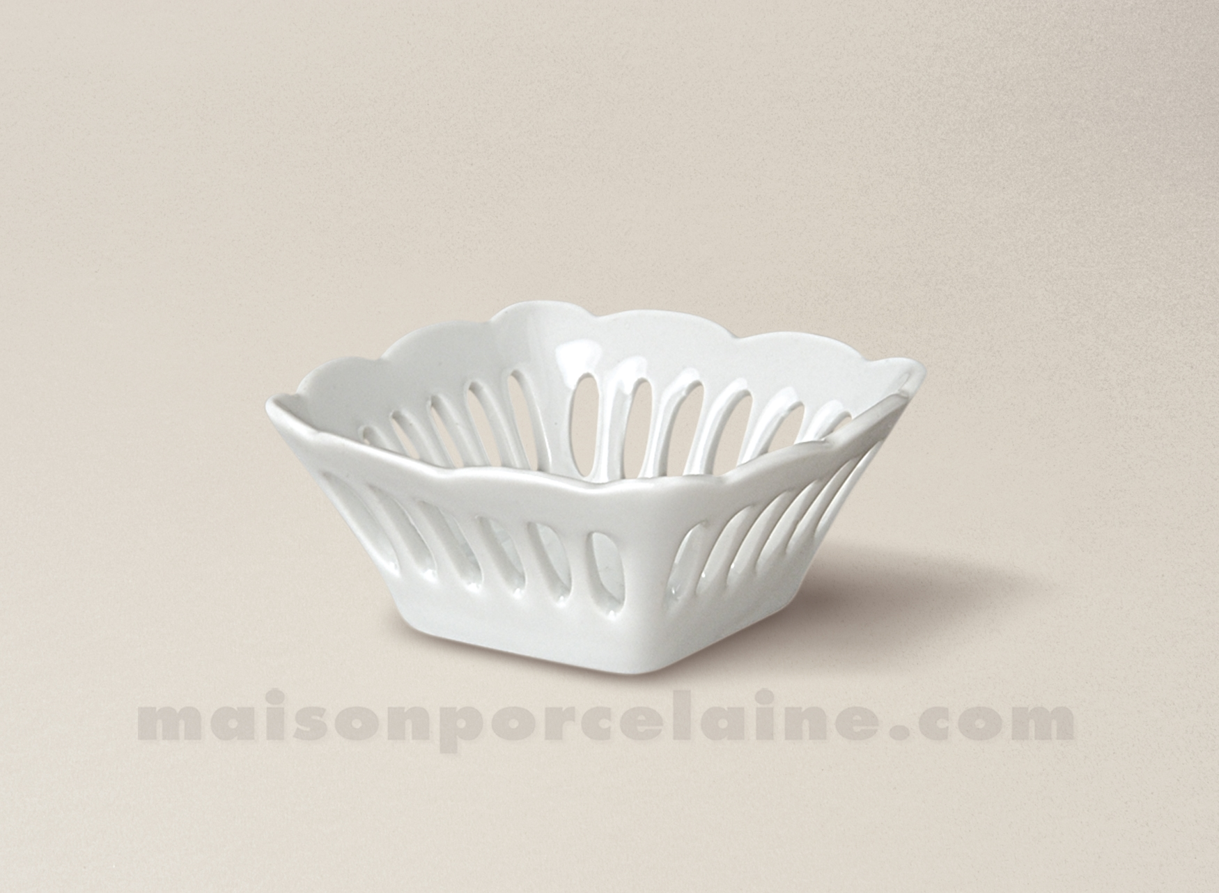 Coupelle porcelaine blanche ajouree carree sissi pm 6x6 for Maison de la porcelaine