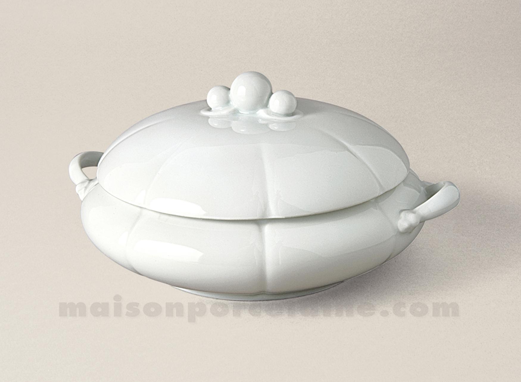 Legumier limoges porcelaine blanche nymphea 26x12 1 2l for Maison de la porcelaine