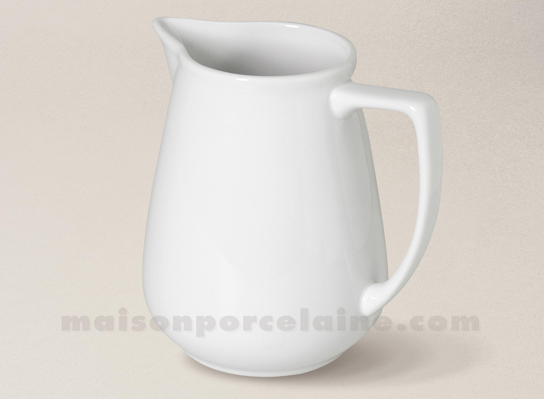 Pichet porcelaine blanche sologne h15cm 95cl maison de for Maison de la porcelaine