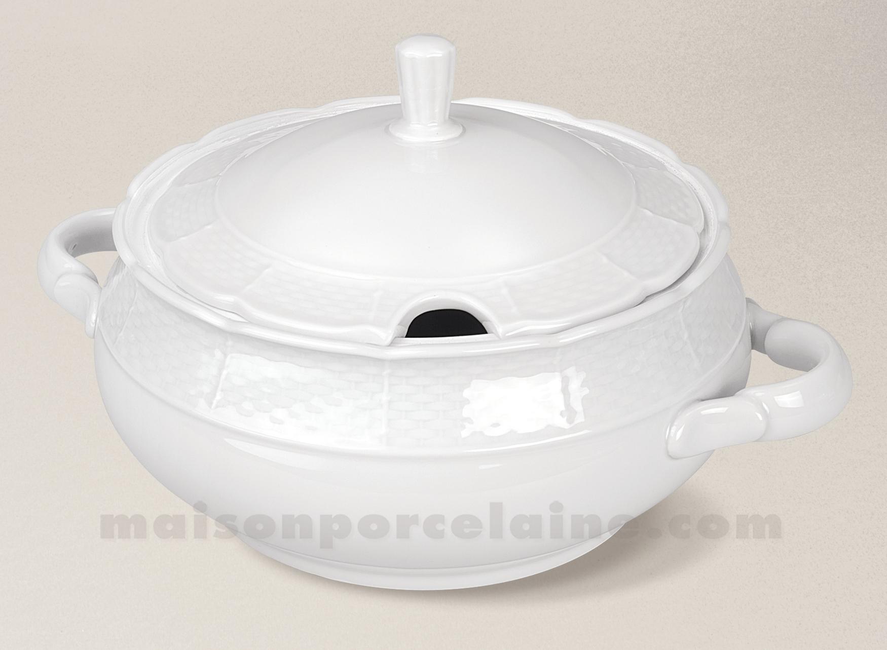 soupiere porcelaine blanche natacha pm 2 7l maison de la porcelaine. Black Bedroom Furniture Sets. Home Design Ideas