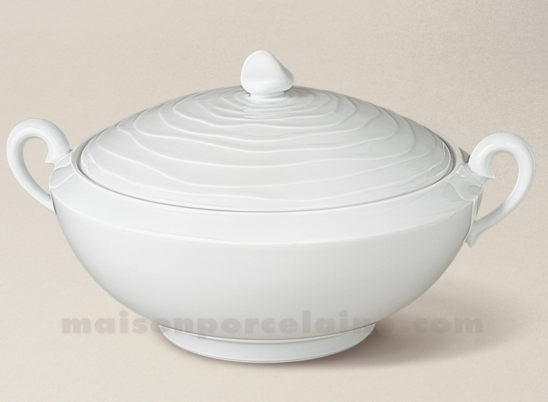 Soupiere limoges porcelaine blanche onde gravee maison de la porcelaine - La porcelaine blanche ...
