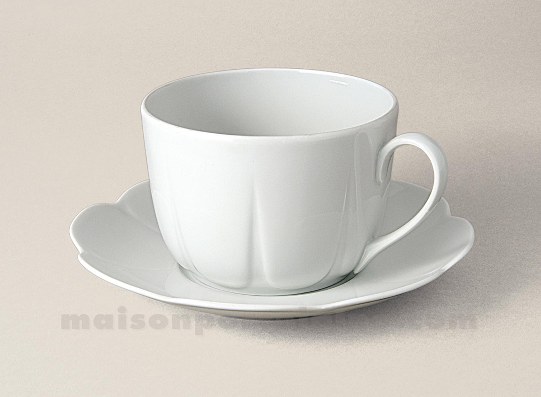 Tasse dejeuner soucoupe limoges porcelaine blanche nymphea for Maison de la porcelaine