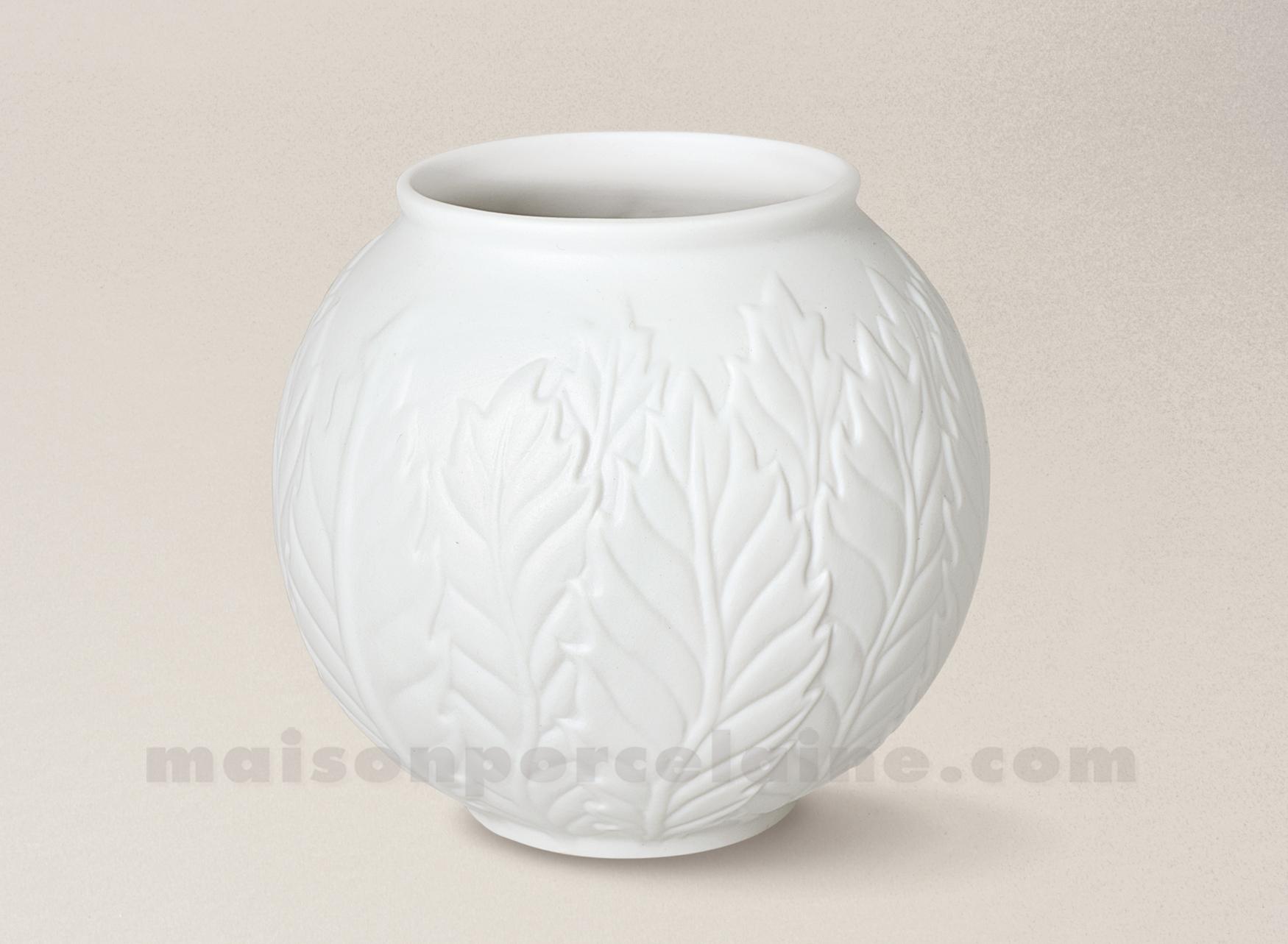 Vase porcelaine blanche limoges biscuit boule relief 14x19 - La maison de porcelaine ...