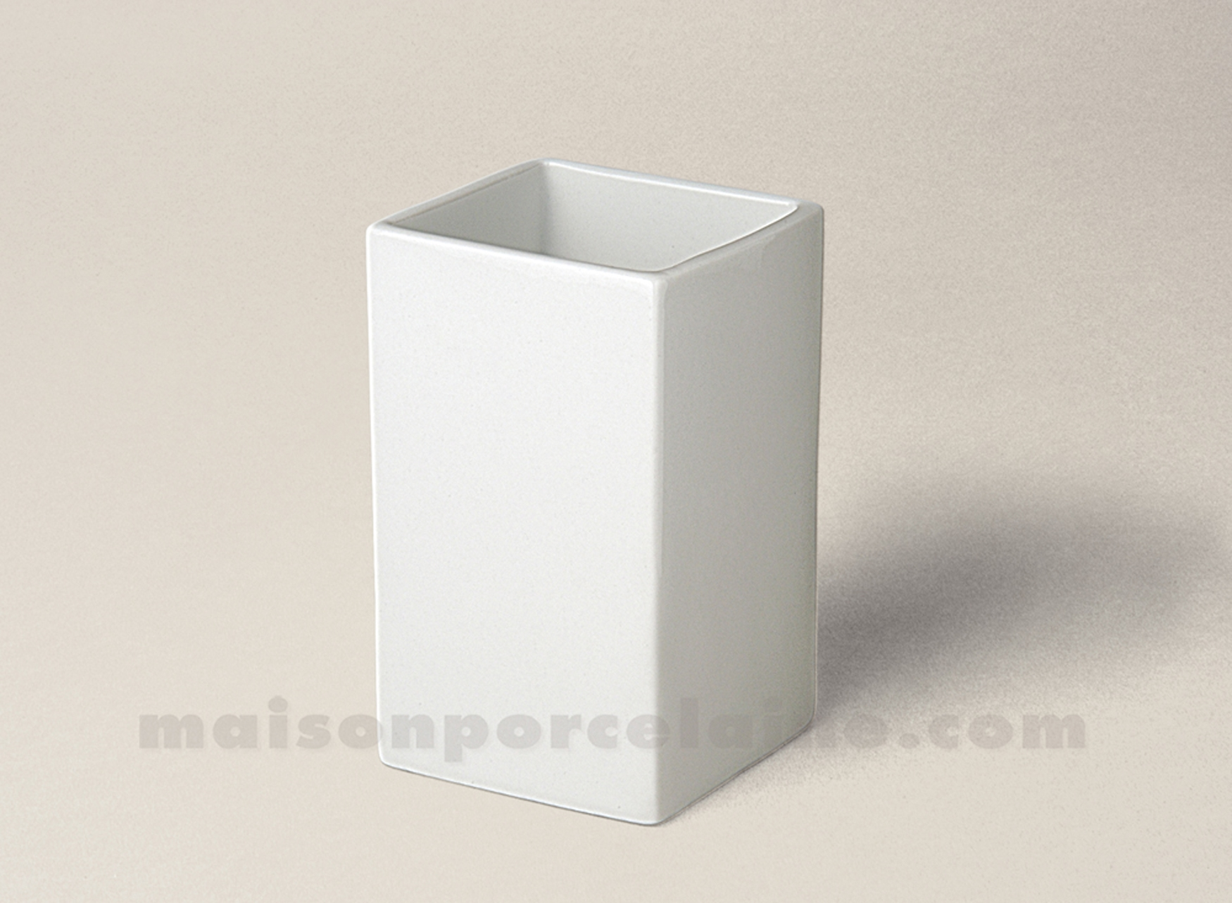 verre a dents porcelaine blanche carre ming 10x6 maison de la porcelaine. Black Bedroom Furniture Sets. Home Design Ideas