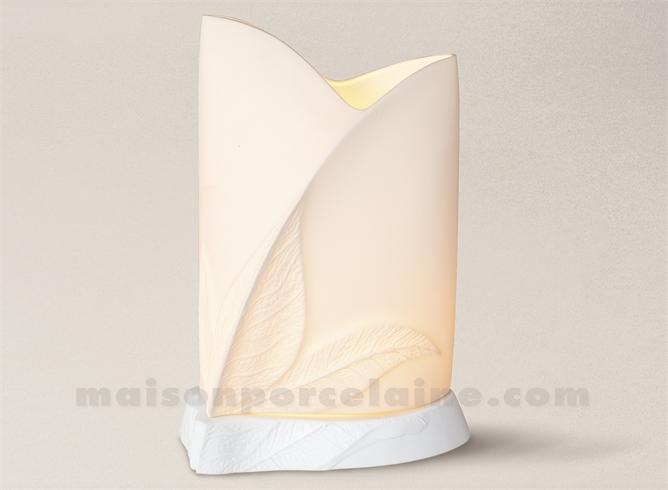 LAMPE BISCUIT PORCELAINE DE LIMOGES ALIZEE FEUILLE  H25-16X10CM+SOCLE H3CM