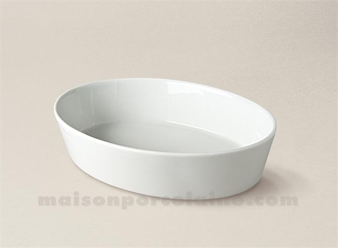 plat a four ovale sabot individuel porcelaine blanche 3 toques 19x12 5 maison de la porcelaine. Black Bedroom Furniture Sets. Home Design Ideas